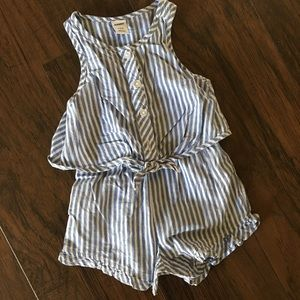 Lot of Old Navy rompers size 3/6 months. EUC